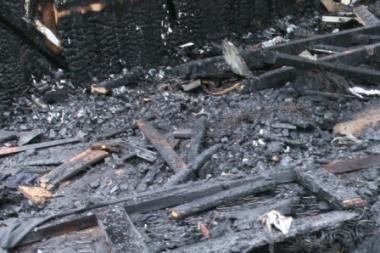 Gaisravietėje rastas sužalotas vyro lavonas