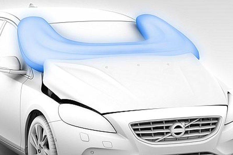 """""""Volvo"""" automobiliuose – saugos pagalvės pėstiesiems"""