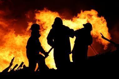 Apranga Afrikos ugniagesiams siuvama Tauragėje