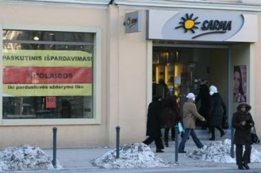 """""""Sarma"""" uždaro parduotuvę Gedimino prospekte (papildyta 14.30 val., nuotraukos)"""