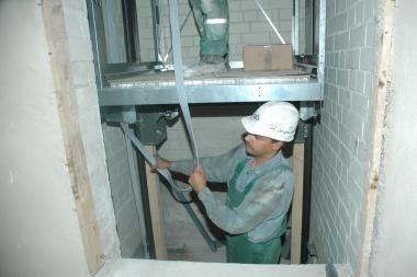 Sostinės gyventojai – liftų niokotojų įkaitai