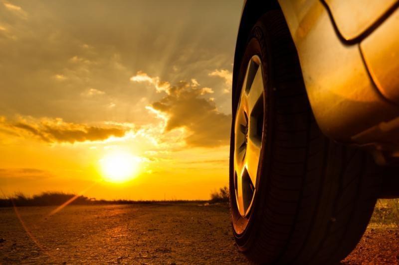 Automobilį lietuviai draudžia dažniau nei gyvybę