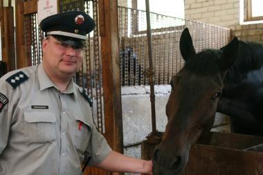 Vilniaus VPK viršininkas susitiks su narkotikų gabenimu įtartu raitosios policijos vadu