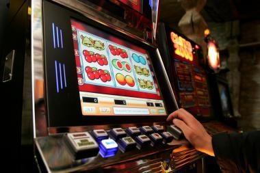 Nuteistos dvi uostamiesčio lošimo automatų salono administratorės