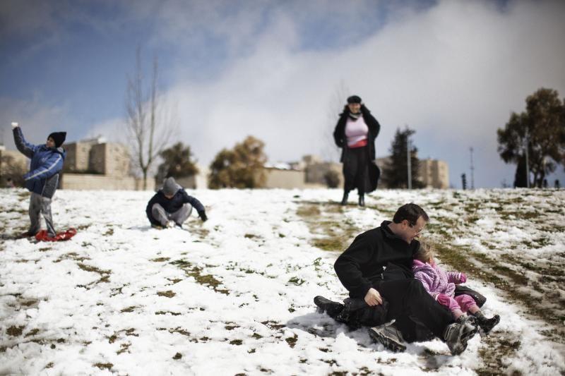 Šventoji žemė pirmąkart per ketverius metus pasidengė sniegu