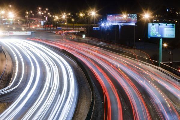 Maršrutinio transporto juostomis galės važiuoti ir elektromobiliai