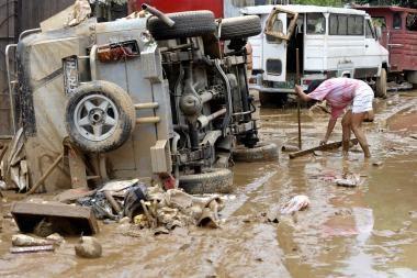 Filipinuose per sprogdinimus ir susišaudymus žuvo 15 žmonių