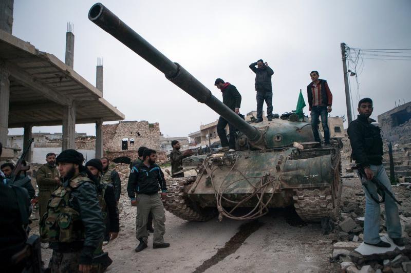 """JAV žada 60 mln. dolerių """"neletalinę"""" pagalbą Sirijos opozicijai"""