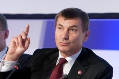 Estijos premjeras A.Ansipas atsidūrė Santariškių klinikose (papildyta 15.50val.)