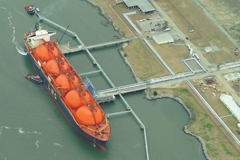Nevers įmonių pirkti dujų iš SGD terminalo