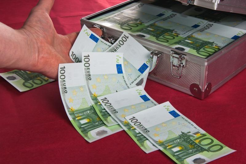 Lietuvos didmiesčių gyventojai nelinkę skubėti su euru