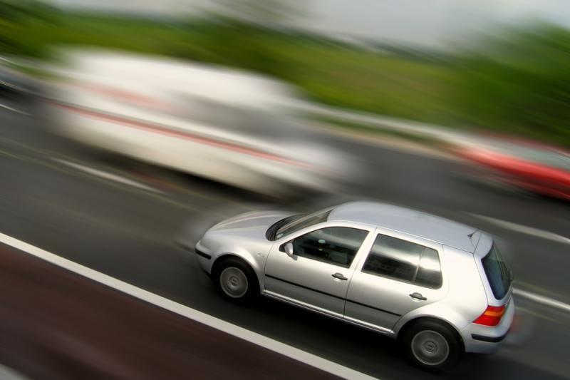 """Apklausa: vairuotojus labiausiai erzina kelyje """"nardantys"""" vairuotojai"""