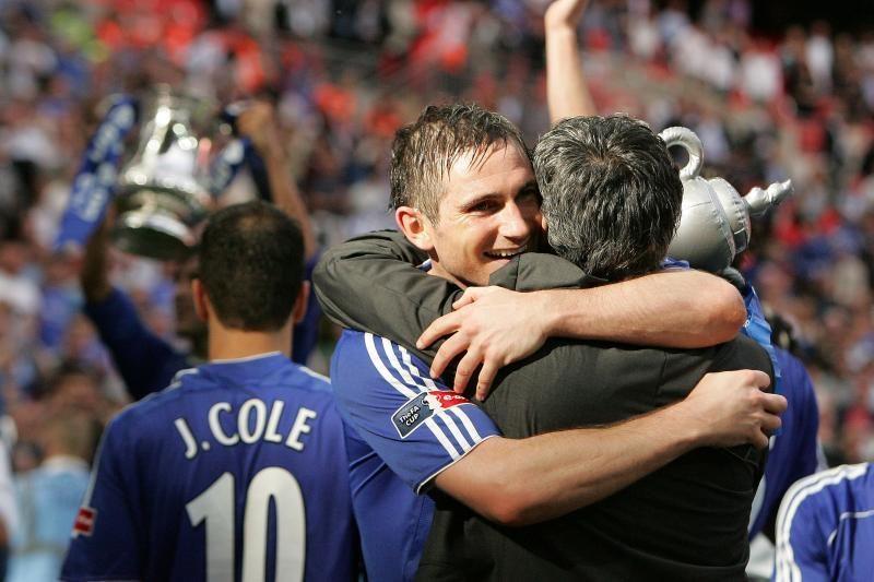J.Mourinho vėl siekia prisivilioti F.Lampardą