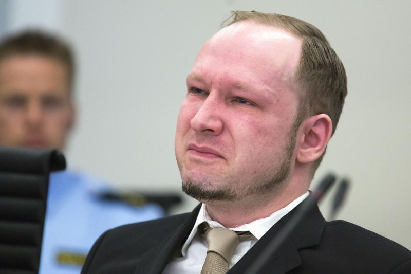 77 žmones nužudęs A.B.Breivikas prašosi paleidžiamas