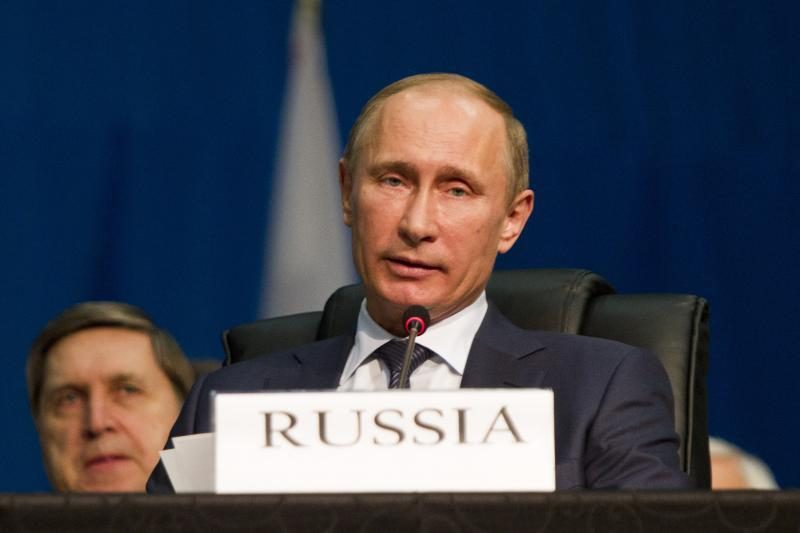 V. Putinas pasirašė įstatymą, leidžiantį jam rinktis gubernatorius