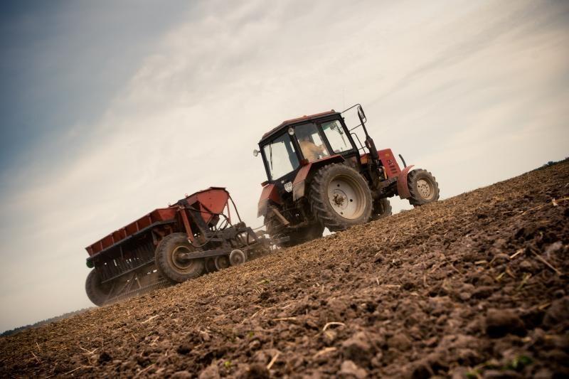 Komitetas – už siekį pratęsti draudimą parduoti žemę užsieniečiams