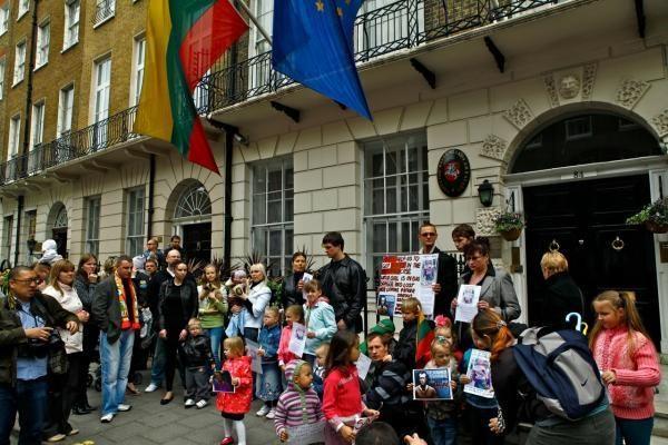 Nauja protestų už D.Kedžio dukrą banga užsienyje