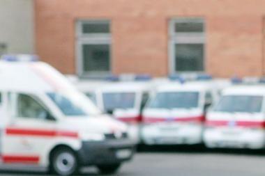 Suimti įtariamieji greitosios pagalbos automobilyje galbūt žaginę 18-metę (papildyta)
