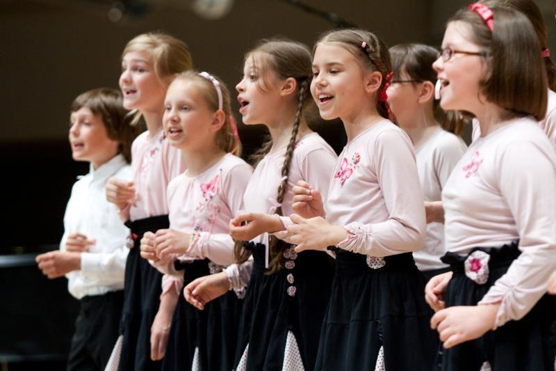 """A cappella dainavimo gerbėjams – festivalis """"Iš sidabro šulinių"""""""