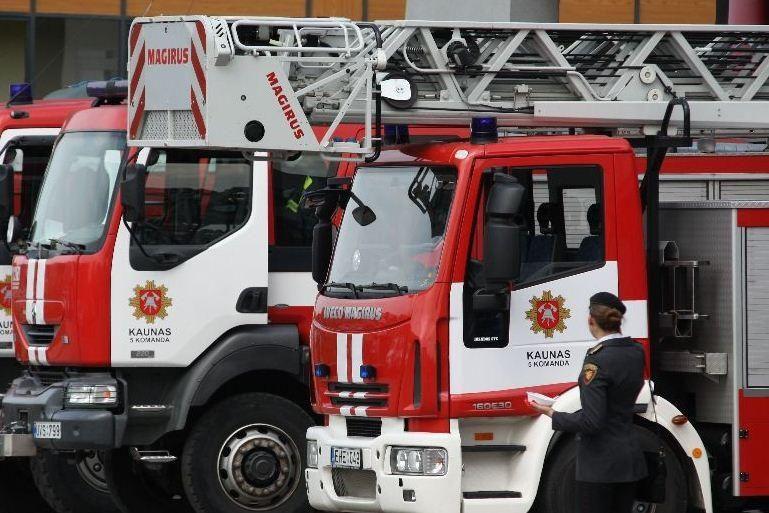 Per gaisrą Vilniuje žuvo du žmonės (papildyta)