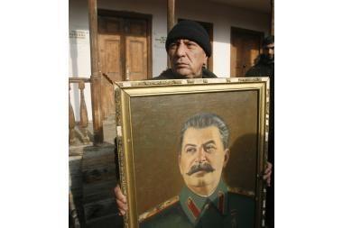 Tarp labiausiai nusipelniusių – J.Stalinas