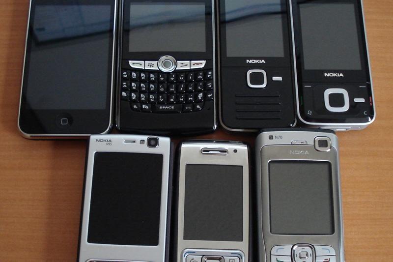 Prie Pravieniškių pataisos namų įkliuvo vyras su 20 mobiliųjų telefonų