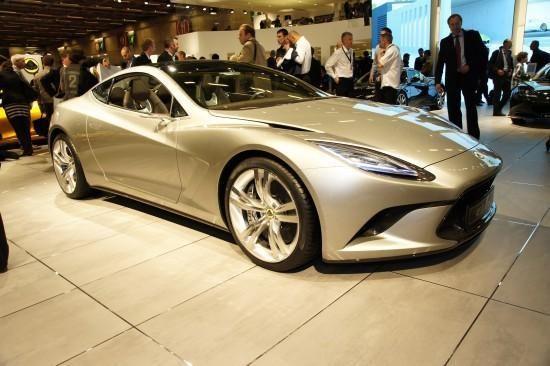 """""""Lotus Elite"""" nusitaikė į superautomobilių karūną"""