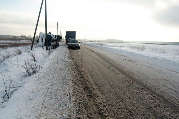Klaipėdos rajone mokyklinis autobusas įstrigo pusnyje