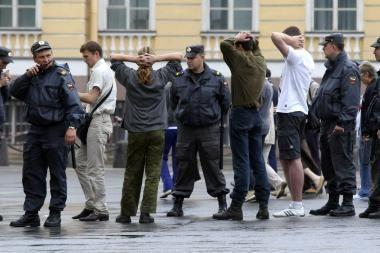Sankt Peterburge per nesankcionuotą gėjų protestą sulaikyti 22 asmenys