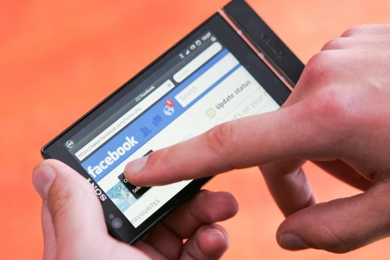 """""""Facebook"""" vykdoma politika žlugdo programėlių kūrėjus?"""