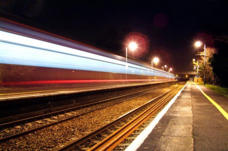 Kretingoje ant geležinkelio bėgių žuvo jaunuolis