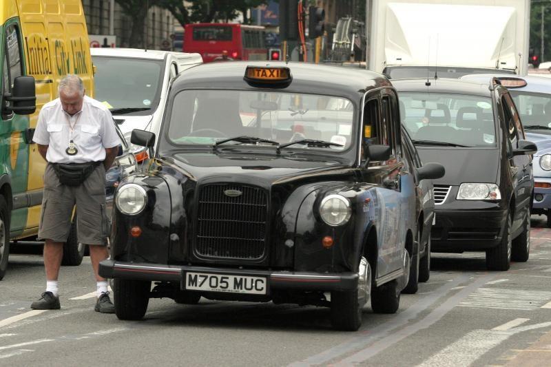 Londono taksistai nesinaudoja GPS, o pasikliauna smegenimis