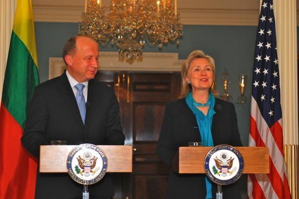 Lietuva praverstų JAV parama statant suskystintų dujų terminalą, mano A.Kubilius