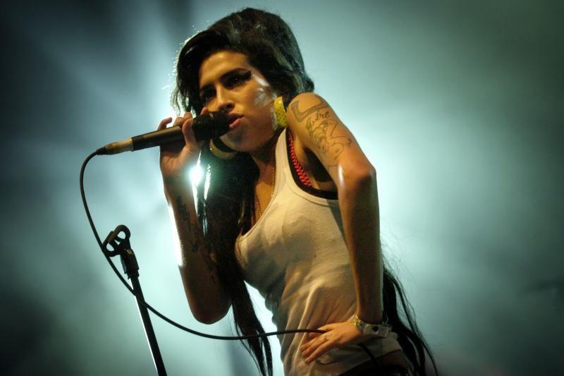 Tyrėjai: A. Winehouse nužudė atsitiktinis apsinuodijimas alkoholiu
