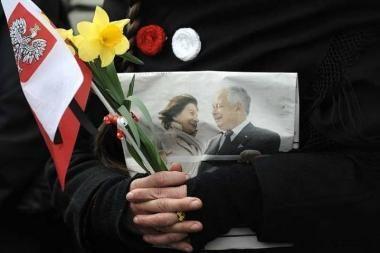 Lenkijoje per autoavariją po prezidento laidotuvių žuvo evangelikų liuteronų vyskupas