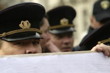 Latvija: policininkai nušovė žmogų, grasinusį šaudyti