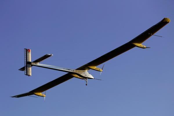 """Ar pakaks energijos saulės baterijomis """"maitinamam"""" lėktuvui?"""