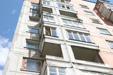Vilniuje po daugiabučio balkonu rasti moters palaikai