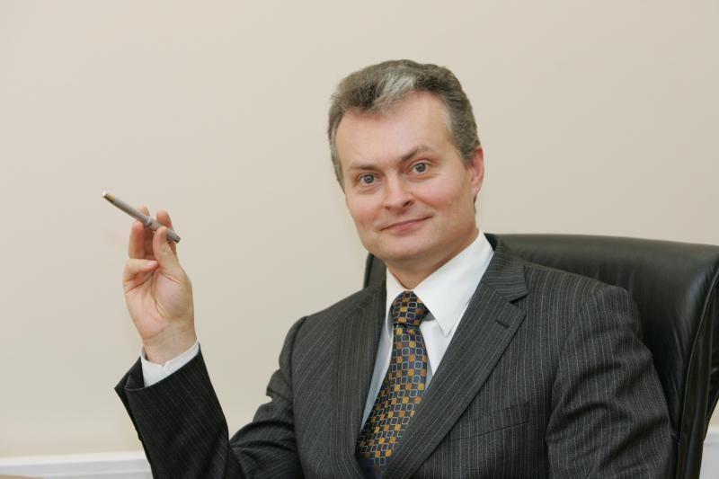 Dingęs bankininko    G. Nausėdos Vilnius
