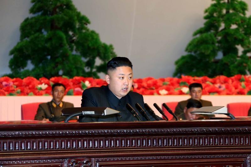 Š. Korėjos lyderis: rizikuojate pajusti siaubingą karo skonį