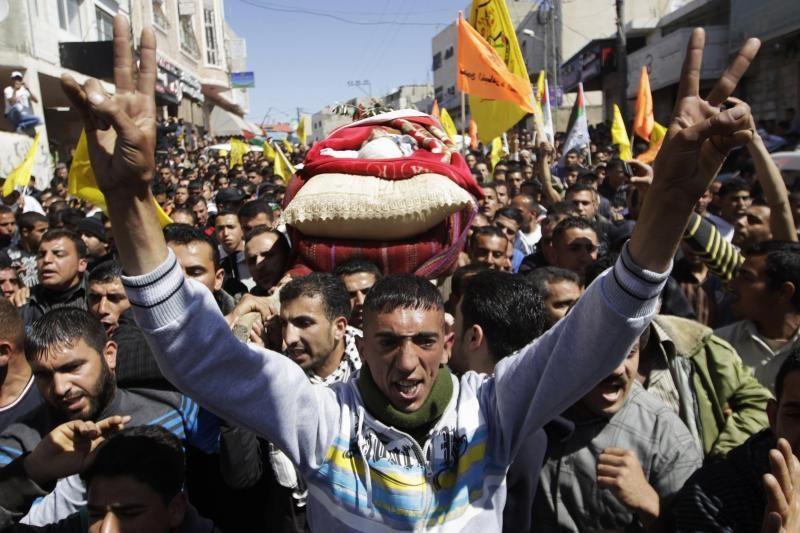 Nuo izraeliečių atakų žuvo du palestiniečiai