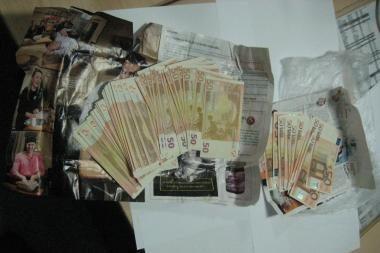 Kaune sulaikyta grupuotė, prekiavusi kvaišalais ir netikrais eurais