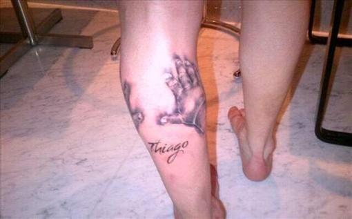 L. Messi kairiąją koją papuošė tatuiruote