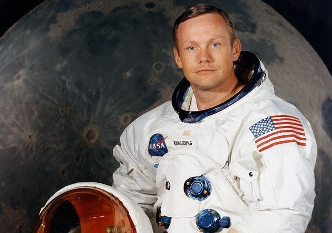 Astronauto Neilo Armstrongo palaikai bus palaidoti jūroje