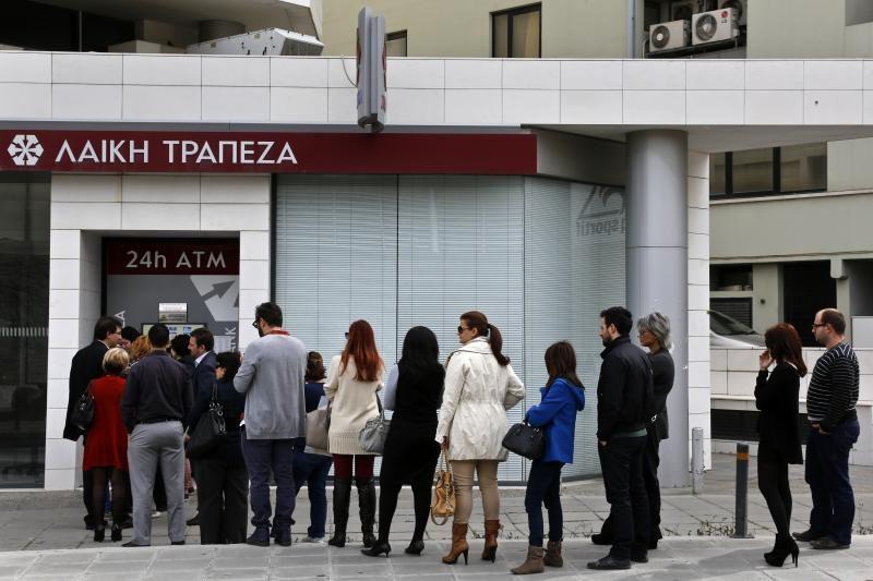 """Kipras sako dalyvaujantis """"sunkiose derybose"""" su skolintojų """"trejetu"""""""