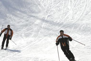 Žiemos pramogų mėgėjai pasirodė su pirmuoju sniegu