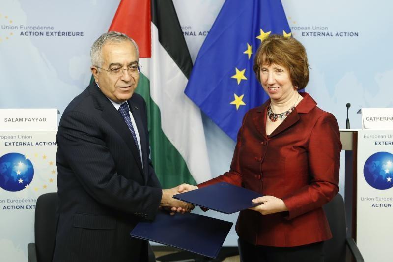 ES pasirašė pagalbos sutartį su Palestinos premjeru