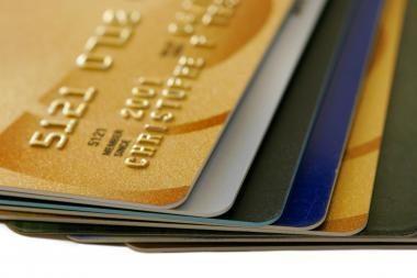 """""""Swedbank"""": mokėjimo kortelėmis atsiskaitoma vis dažniau"""