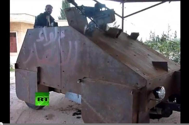 Sirijos sukilėliai važinėja savadarbiais tankais