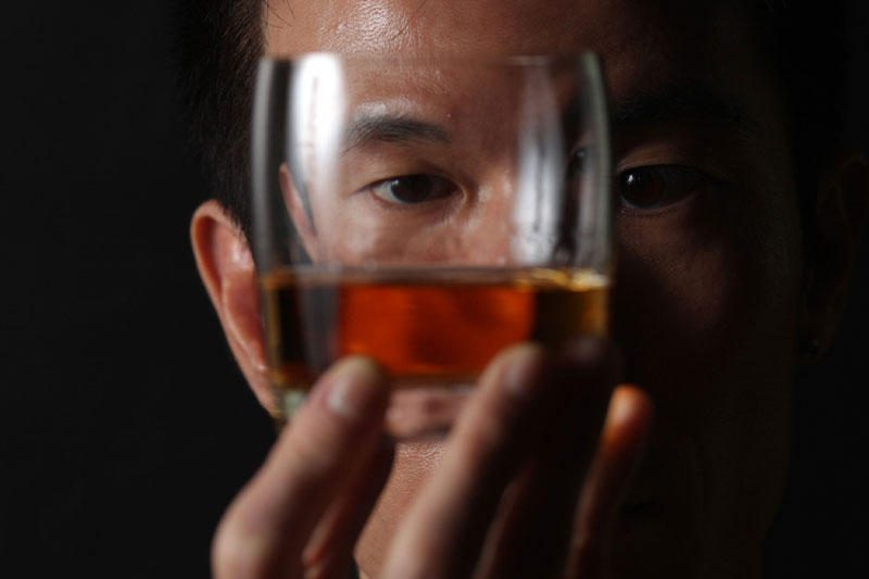 Lenkija uždraudė pardavinėti iš Čekijos įvežtus stipriuosius gėrimus